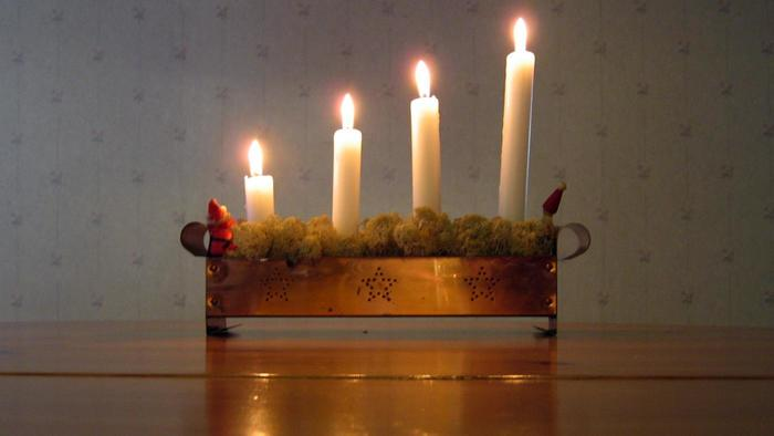 & Light for the World: An Advent Candle Liturgy